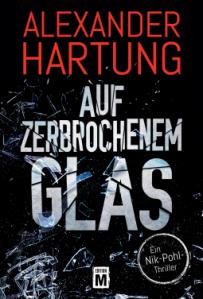 alexander-hartung-auf-zerbrochenem-glas